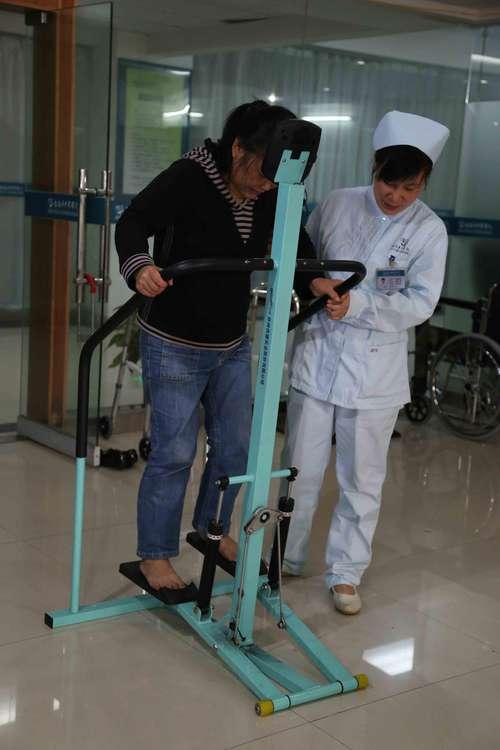 液压式踏步器2